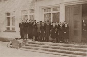 1963.04-gadi-vidusskola