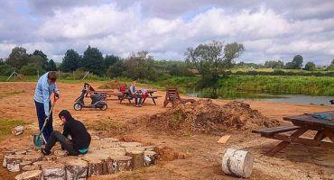 Skolēnu nodarbinātība vasaras brīvlaikā: Kārsavas novada pašvaldība iesaista 13 skolēnus
