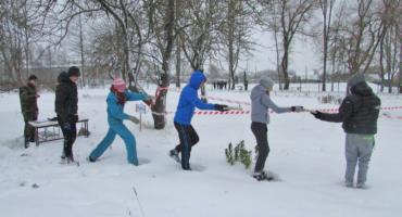 """Spēcīgie un patriotiskie jaunieši cīnījās spēlēs """"Jaunie Kārsavas sargi 2016"""""""
