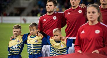 Kārsavietis piedalās futbola mačā Latvija – Andora, kā spēlētajā pavadonis