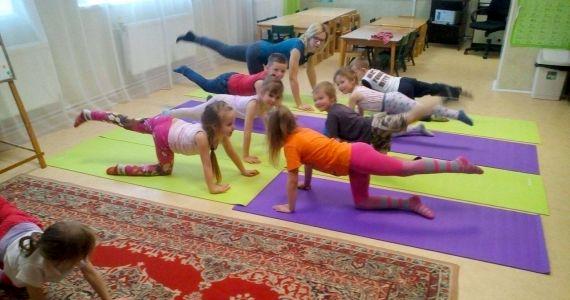 Novada pirmsskolas izglītības iestādēs notiek vingrošanas nodarbības bērniem