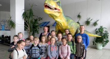 """Bērni iegūst jaunas zināšanās tematiskajā nometnē """"Iepazīsti dabu"""""""