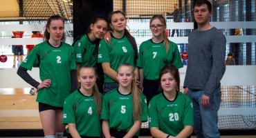 Kārsavas novada meiteņu volejbola komanda iegūst jaunu pieredzi