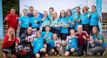 Ludzas un Kārsavas meitenes iepazīst futbolu un #WePlayStrong kampaņu