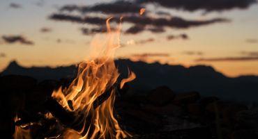 Baltu Vienības uguns iedegšana