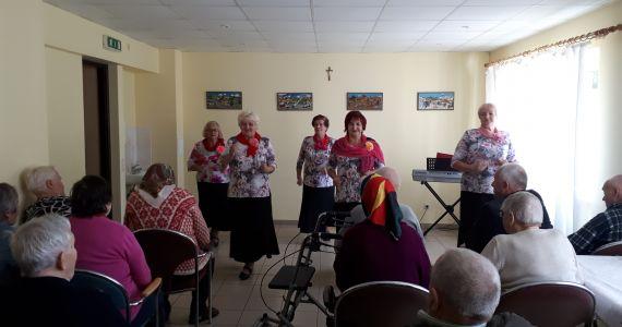 """Pansionātā """"Mūsmājas"""" atzīmē Starptautisko Senioru dienu"""