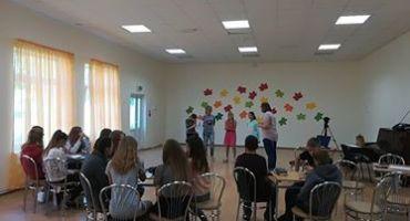 Mērdzenes pamatskolas audzēkņi iepazīstas ar maketētāja profesiju