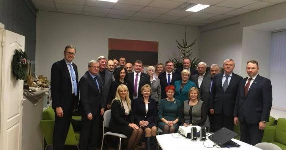Pašvaldību vadītāji un Saeimas deputāti diskutē par Latgales attīstību
