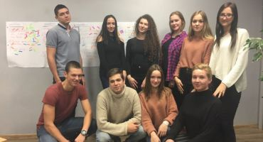 Kārsavas novada jaunieši neformālajā gaisotnē tiekas ar politiķiem