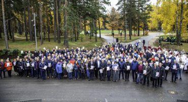 Kārsavas novads tiek pārstāvēts rododendru stādīšanas pasākumā Mežaparkā