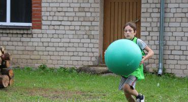 Jaunieši sporto Salnavā