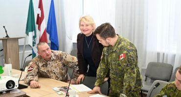 Zemessardzes un Kanādas bruņoto spēku pavēlniecības Latvijā Civilmilitārās grupas pārstāvji viesojas Kārsavā