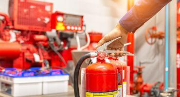 Rūpējoties par savu dzīvību: kā izvēlēties un kopt ugunsdzēšamo aparātu?