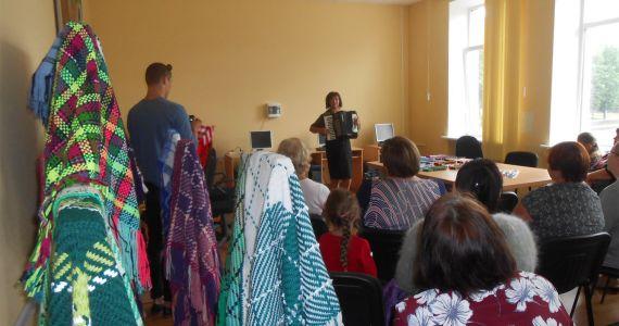 Baltinavietes Aijas Keišas plecu lakatu izstāde