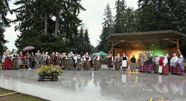 """Mērdzenes etnogrāfiskā ansambļa """"MĀRGA"""" 55 gadu jubilejas pasākums"""