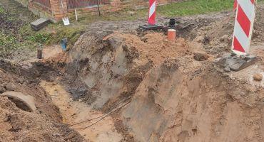Kanalizācijas un ūdensvada tīklu izbūves darbi turpinās